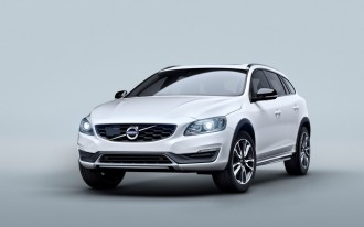 Rugged 2015.5 Volvo V60 Cross Country Wagon Takes On Outback, Allroad