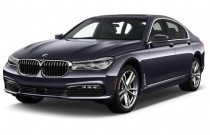 2017 BMW 7-Series 740i xDrive Sedan Angular Front Exterior View