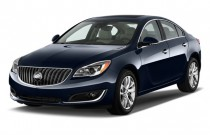2017 Buick Regal 4-door Sedan Premium II FWD Angular Front Exterior View