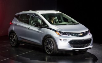 2017 Chevy Cruze Hatch, 2017 Chevy Bolt EV, 2017 Hyundai Ioniq: What's New @ The Car Connection