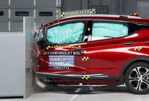 2017 Chevy Bolt EV rated a Top Safety Pick by IIHS