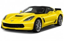 2017 Chevrolet Corvette 2-door Grand Sport Coupe w/2LT Angular Front Exterior View