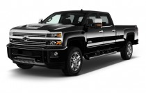 "2017 Chevrolet Silverado 2500HD 4WD Crew Cab 167.7"" High Country Angular Front Exterior View"