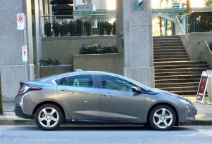 Plug-in electric car sales in Canada, March 2017: Chevy charges ahead