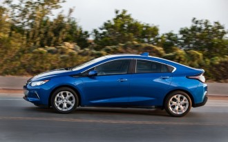 Chevrolet Volt Vs. Nissan Leaf: Compare Cars