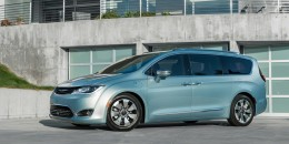 2017 Chrysler Pacifica Hybrid: More Details On 30-Mile Plug-In