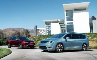 Rumor: 2017 Chrysler Pacifica to feature Google's autonomous tech, details may come today