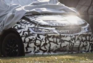 2017 Chrysler Town & Country spy shots - Image via S. Baldauf/SB-Medien