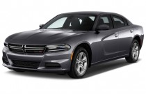 2017 Dodge Charger SE RWD Angular Front Exterior View