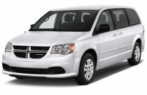 2017 Dodge Grand Caravan SE Wagon Angular Front Exterior View