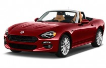 2017 FIAT 124 Spider Lusso Convertible Angular Front Exterior View