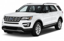 2017 Ford Explorer XLT FWD Angular Front Exterior View