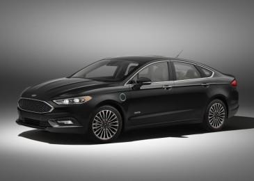 2017 Ford Fusion Energi electric range rises to 22 miles