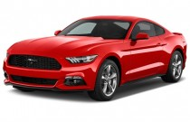 2017 Ford Mustang V6 Fastback Angular Front Exterior View