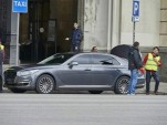 2017 Genesis G90 spy shots - Image via bobaedream