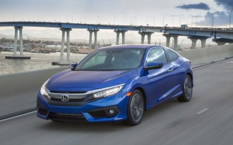 2017 Hyundai Elantra vs. 2017 Honda Civic: Compare Cars