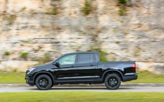 2017 Honda Ridgeline vs. 2017 Chevrolet Colorado: Compare Trucks