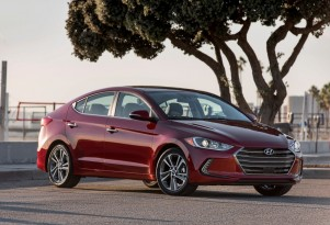 2017 Hyundai Elantra Video Preview