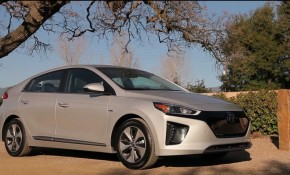 2017 Hyundai Ioniq Electric - frame from video road test