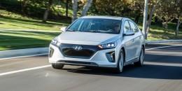 2017 Hyundai Ioniq undercuts Prius at $23,035