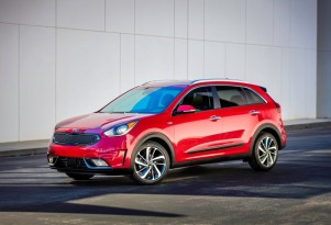 2017 Kia Niro hybrid SUV: are electric, AWD versions in the works?