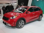 2017 Kia Niro Hybrid Crossover Utility Vehicle Debuts At Chicago Auto Show: Live Photos & Video