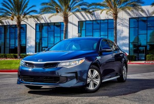 2017 Kia Optima Hybrid Preview Video