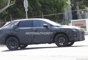 Lexus RX with third-row seats spy shots - Image via S. Baldauf/SB-Medien