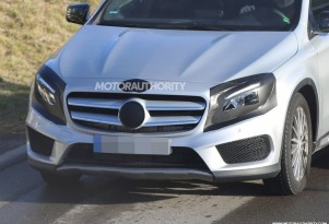 2017 Mercedes-Benz GLA-Class facelift spy shots - Image via S. Baldauf/SB-Medien