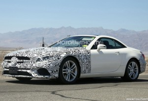2017 Mercedes-Benz SL-Class facelift spy shots - Image via S. Baldauf/SB-Medien