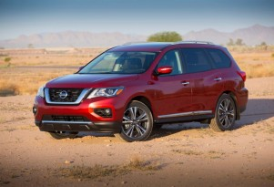 Updated 2017 Nissan Pathfinder priced at $30,890