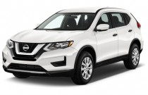 2017 Nissan Rogue FWD S Angular Front Exterior View