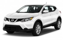 2017 Nissan Rogue Sport AWD S Angular Front Exterior View