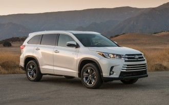2017 Nissan Pathfinder vs. 2017 Toyota Highlander: Compare Cars