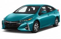 2017 Toyota Prius Four (Natl) Angular Front Exterior View