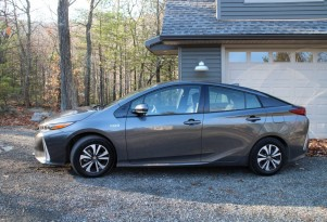 2017 Toyota Prius Prime: gas mileage, electric range review