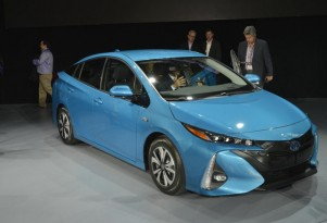 2017 Toyota Prius Prime plug-in hybrid: 22-mile range, styling updates: Live photos and video