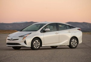 Toyota Prius design, popular in Japan, not a hit in U.S.