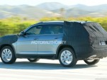 2017 Volkswagen three-row SUV spy shots - Image via S. Baldauf/SB-Medien