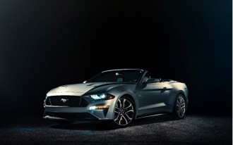 Ford takes lid off 2018 Mustang convertible