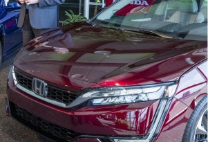 2017 Honda Clarity Fuel Cell rated at 366 miles of range by EPA