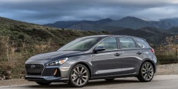 2018 Hyundai Elantra GT hatchback unveiled at Chicago auto show