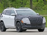 2018 Jeep Cherokee facelift spy shots - Image via S. Baldauf/SB-Medien
