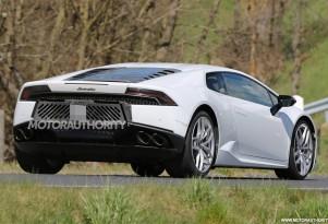 2018 Lamborghini Huracán Superleggera test mule spy shots - Image via S. Baldauf/SB-Medien