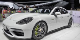 What's the best Porsche Panamera? It's a plug-in hybrid now