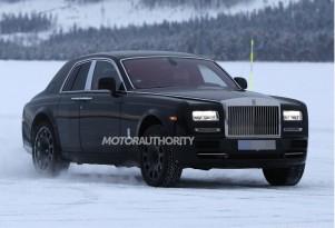 2018 Rolls-Royce SUV (Project Cullinan) test mule spy shots - Image S. Baldauf/SB-Medien