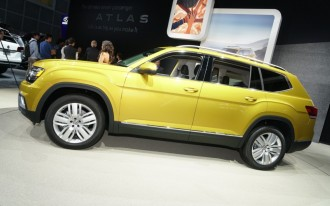 VW Atlas video, BMW X7 spied, Hyundai Ioniq: What's New @ The Car Connection
