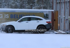 2020 Mercedes-Benz EQC test mule spy shots - Image via S. Baldauf/SB-Medien