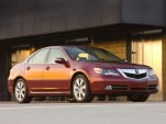 Honda's Fukui Confirms V-8, Gives Vocal Support to U.S. Fed Loans