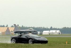 An F16 closes on a Lamborghini Aventador